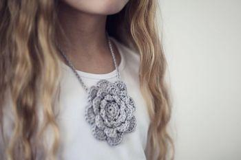 twoandsix crochet flower
