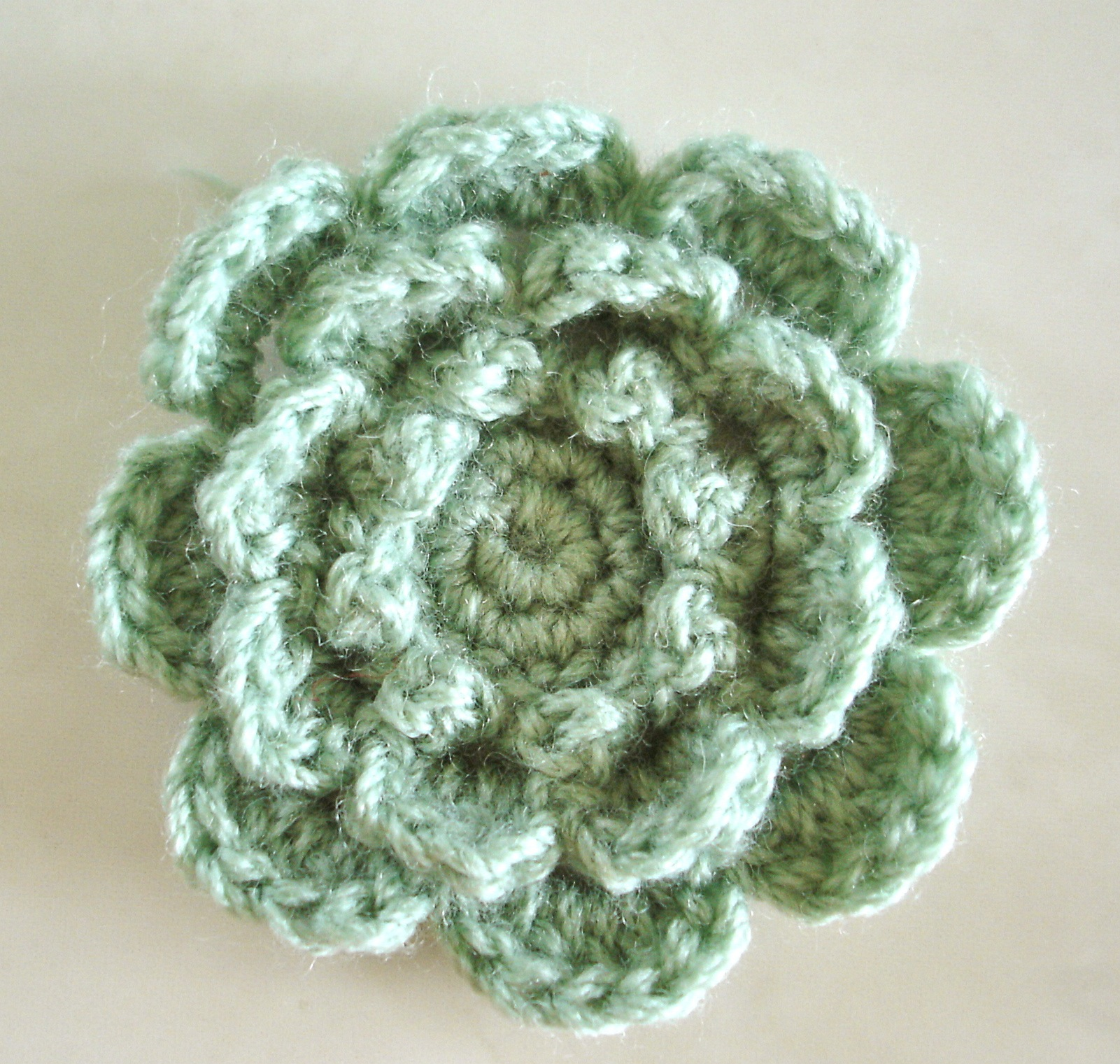 Crochet Patterns Of Flowers : CROCHETED FLOWERS PATTERNS - Crochet and Knitting Patterns